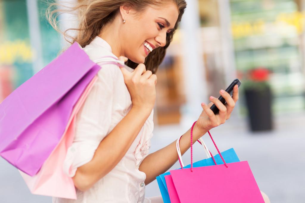 millenial shopping